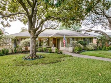 This Merriman Park Gem Has It All and at a Price That Can't Be Beat!